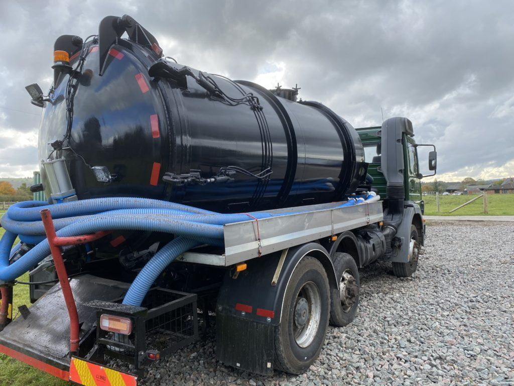 Septic tank pumper truck. Septic Tank service page. Simpsons Drainage, Drain clearance, drain unblocking, septic tank services, septic tank emptying, drain camera surveys, drain repairs, drain lining, new drains in Warminster, Frome, Trowbridge.